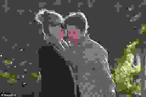 Khoảnh khắc hạnh phúc của vợ chồng Julia Roberts