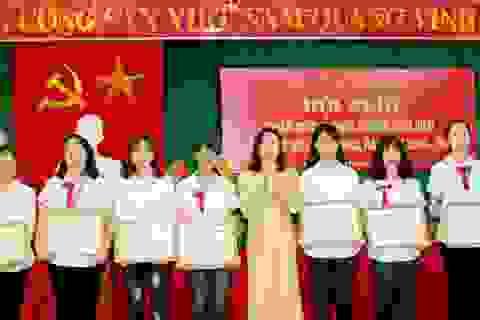 Hà Nam: Tuyên dương, khen thưởng các học sinh xuất sắc trong các kỳ thi