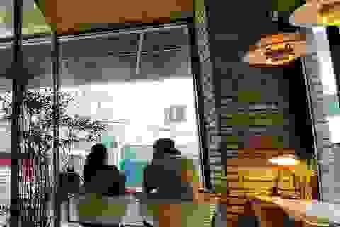 """Bi (Rain) ngắm """"bà bầu"""" Kim Tae Hee đầy yêu thương"""