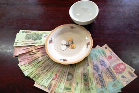 Bắt quả tang 11 đối tượng đánh bạc tại nhà Công an xã