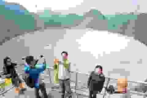 Nguy cơ khách du lịch Trung Quốc làm hư hỏng kính thiên văn lớn nhất thế giới