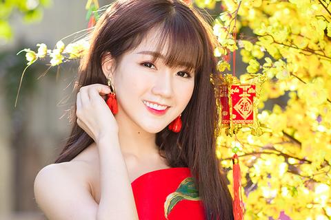 """Biệt danh """"không ai ngờ"""" của hot girl Việt xuất hiện trên Reuters"""