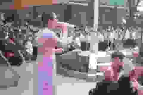 """Cô giáo và học sinh toàn trường đồng ca """"Lạc trôi"""" của Sơn Tùng M-TP"""