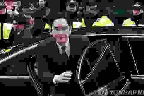 """""""Thái tử"""" Samsung trình diện chịu thẩm vấn vòng 2"""
