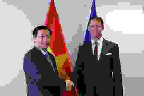 Phó Thủ tướng Vương Đình Huệ hội kiến lãnh đạo Ủy ban châu Âu