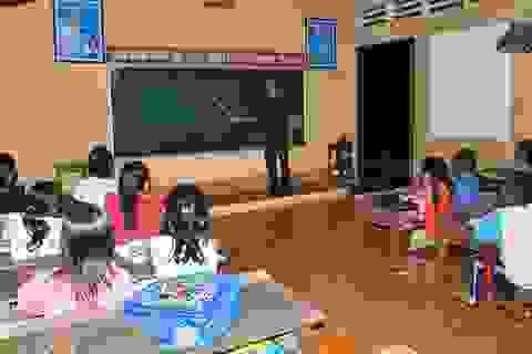 Lớp học đặc biệt của những thầy giáo mang quân hàm xanh
