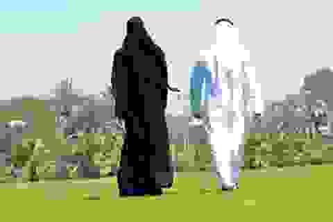 Chồng nộp đơn ly dị vì vợ... đi bộ nhanh hơn mình trên đường