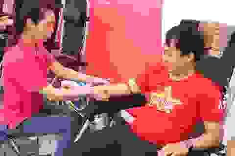Gần 200 đơn vị máu được huy động trong ngày hội hiến máu