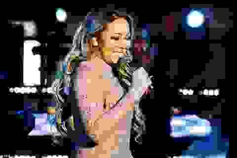 Mariah Carey lộ hát nhép trong đêm giao thừa