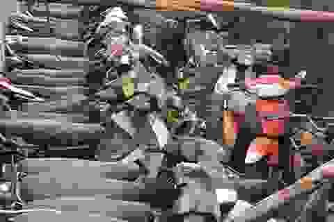 Trưởng công an xã đem 24 xe vi phạm đi... bán ve chai