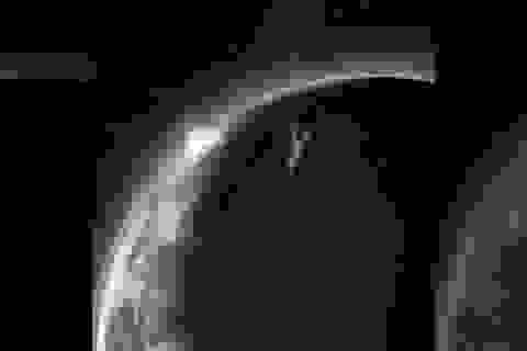 Mặt trăng cổ đại từng có một bầu khí quyển tạm thời