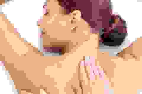 [Inforgraphics]: 6 bước xoa bóp vùng đầu cổ giúp giảm đau nhức và tái tạo sức lực