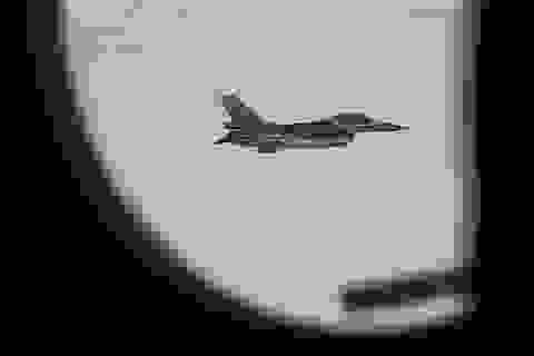NATO nói gì về vụ áp sát máy bay chở Bộ trưởng Quốc phòng Nga?