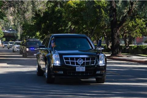 """Chiêm ngưỡng dàn xe """"Quái thú"""" của Tổng thống Trump"""