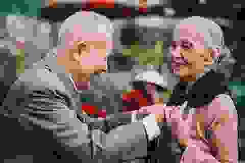 """Tình như cặp đôi 90 tuổi trong bộ ảnh """"Ông bà em"""""""