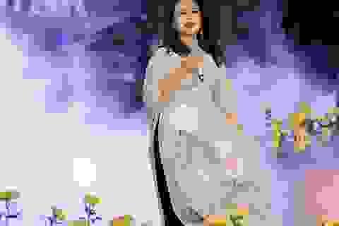 Cựu BTV Diệp Anh bất ngờ xuất hiện cùng diva Thanh Lam trong đêm lụa Bảo Lộc
