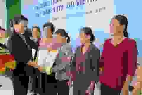 Chủ tịch Quốc hội thăm và chúc Tết tại tỉnh Bến Tre