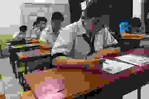 TPHCM: Sử dụng đồng hồ thông minh, thí sinh bị đình chỉ thi