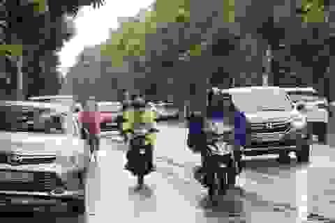 """Trận mưa """"ngoi Nam"""" giúp thành Vinh giảm gần 10 độ C"""