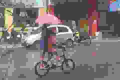 """Cơn mưa """"vàng"""" hạ hỏa tuần nắng nóng kỷ lục tại Hà Nội"""