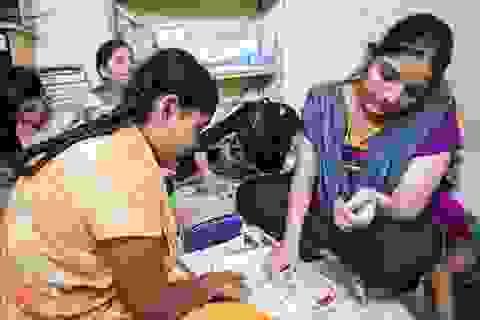Từ khu ổ chuột vươn lên giúp trẻ nghèo