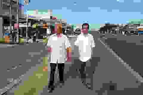 Ông Huỳnh Văn Nén đến tòa hỏi 10 tỷ đồng tiền bồi thường