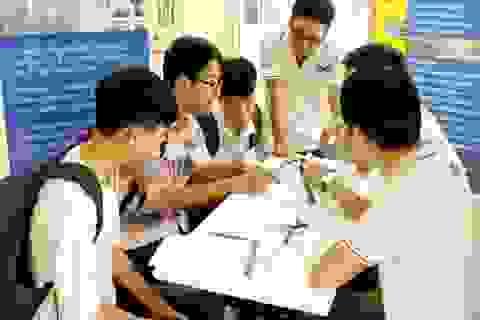 Gần 1.000 bạn trẻ đam mê Toán - Công nghệ thử sức với các doanh nghiệp lớn