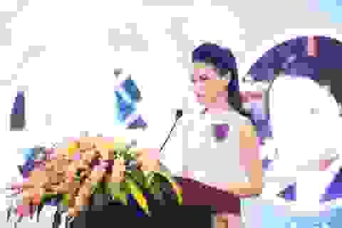 """""""Cô gái vàng"""" của Hoa hậu Việt Nam ngày càng toả sáng với vai trò MC"""
