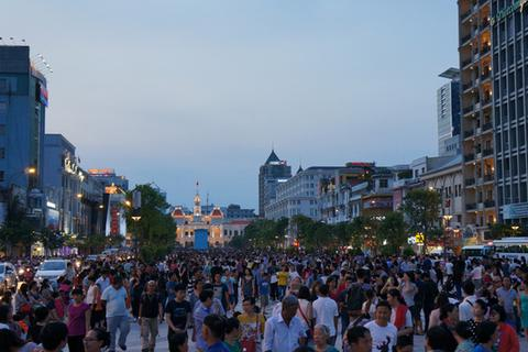 """Phố đi bộ - những con đường """"đắt giá"""" ở Sài Gòn"""