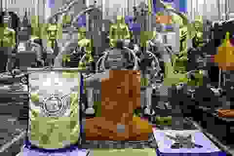 Học Leicester City, Thái Lan nhờ nhà sư làm phép trước SEA Games