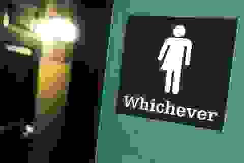 Ông Trump lật ngược chỉ thị về nhà vệ sinh cho người chuyển giới