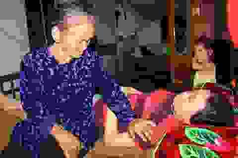 Xót xa nữ sinh 18 tuổi mồ côi bố mẹ nguy kịch vì bệnh lupus ban đỏ