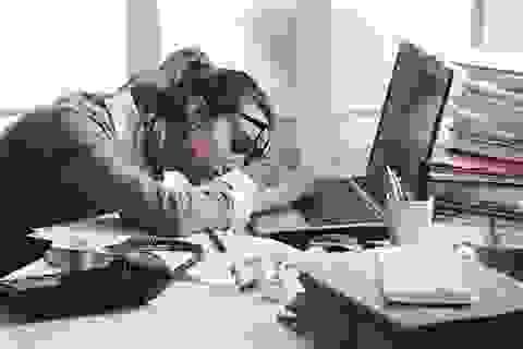 Nhân viên lớn tuổi khó hạnh phúc trong công việc