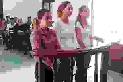 Phạt tù nhóm phụ nữ đánh ghen cô giáo ngay trên bục giảng
