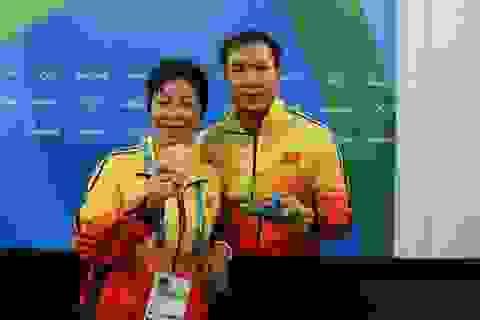 """""""Bông hồng thép"""" đứng phía sau nhà vô địch Olympic Hoàng Xuân Vinh"""