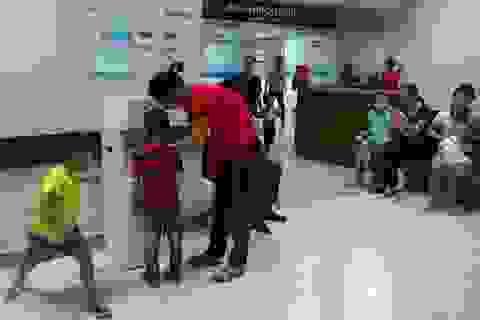 Bệnh nhân ở nhiều bệnh viện lớn được uống nước tinh khiết miễn phí