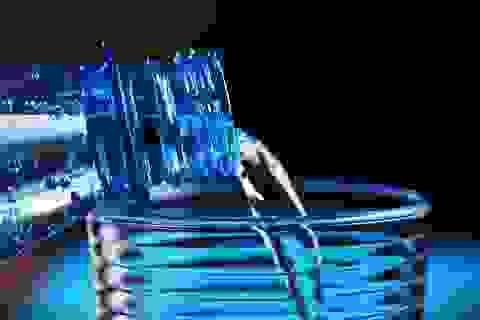 Nước đóng chai có khi nào biến chất?