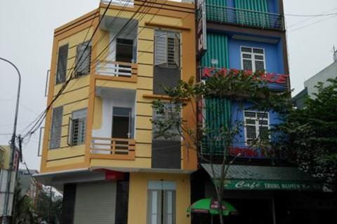 """Vụ Phó giám đốc bị tố gây nứt nhà hàng xóm: Nhà hoàn thiện, chính quyền vẫn """"vô can""""?"""