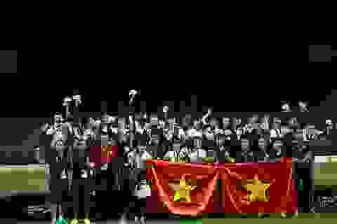 Đội tuyển bóng đá nữ nhận tiền thưởng SEA Games từ VFF