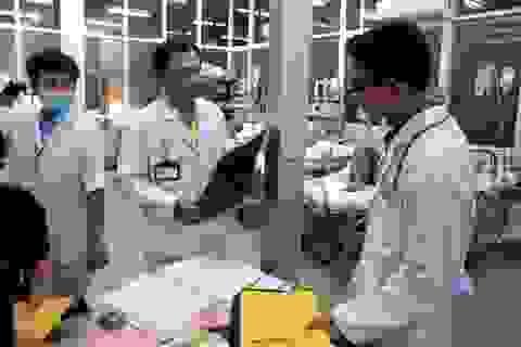 Đêm trực giao thừa của những bác sĩ cấp cứu bệnh viện Chợ Rẫy