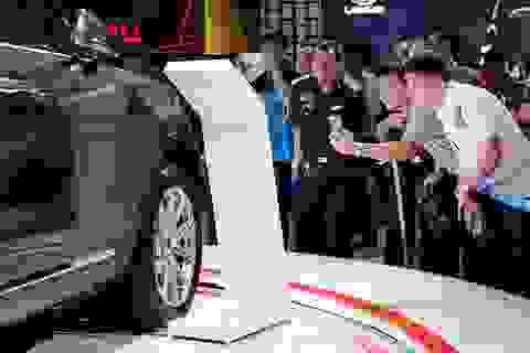 Chuyện lạ cuối 2017: Ô tô tăng giá, cò đòi ăn chênh 200 triệu đồng