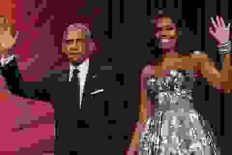 Vợ chồng ông Obama ký hợp đồng kỷ lục 60 triệu USD viết hồi ký
