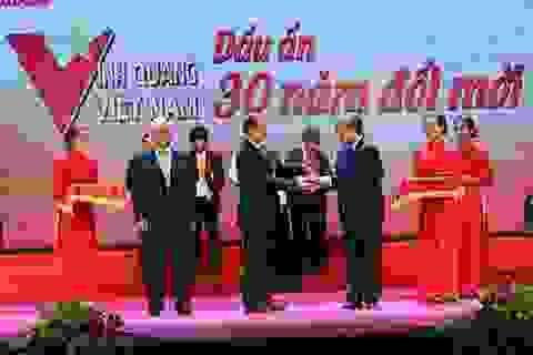 Ông chủ Minh Long được vinh danh điển hình xuất sắc của thời kỳ đổi mới
