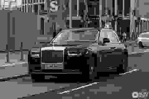 Diện kiến Rolls-Royce Phantom thế hệ mới ngoài đời thực