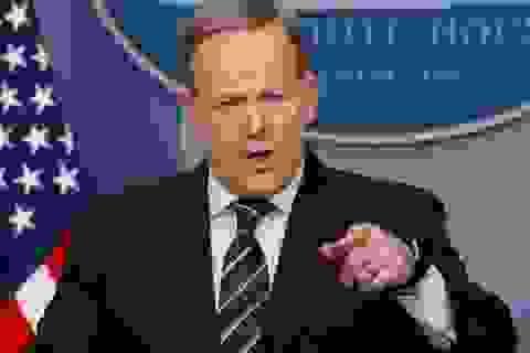 """Nhà Trắng """"cấm cửa"""" hàng loạt hãng truyền thông lớn"""