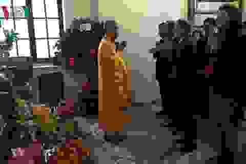 Nét đẹp tâm linh của người Việt tại Pháp ngày đầu năm