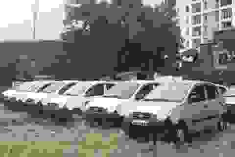 """Xe minivan """"vừa chạy, vừa lo"""" đã hết thời ở Việt Nam"""