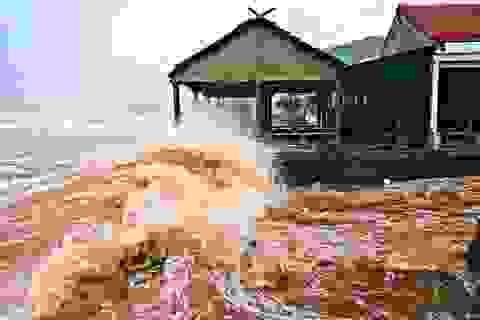 Nước biển dâng cao đột ngột, nhiều vùng ngập nặng