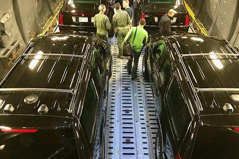 """Lộ dàn xe """"khủng"""" hộ tống Tổng thống Trump thăm châu Á"""