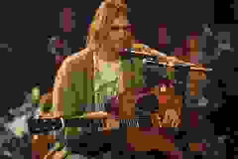 Ghi-ta của huyền thoại Kurt Cobain được rao bán làm từ thiện